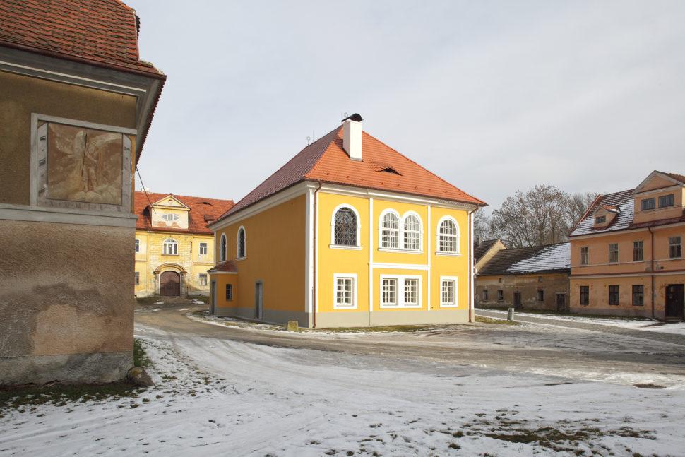 Synagoga Březnice - vzimě