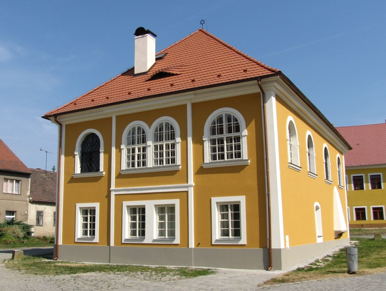 Březnická synagoga